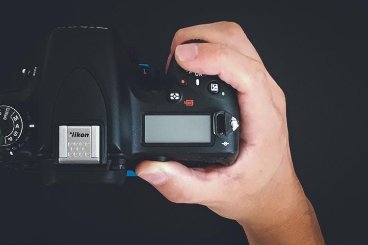 Nikon D750 グリップ感