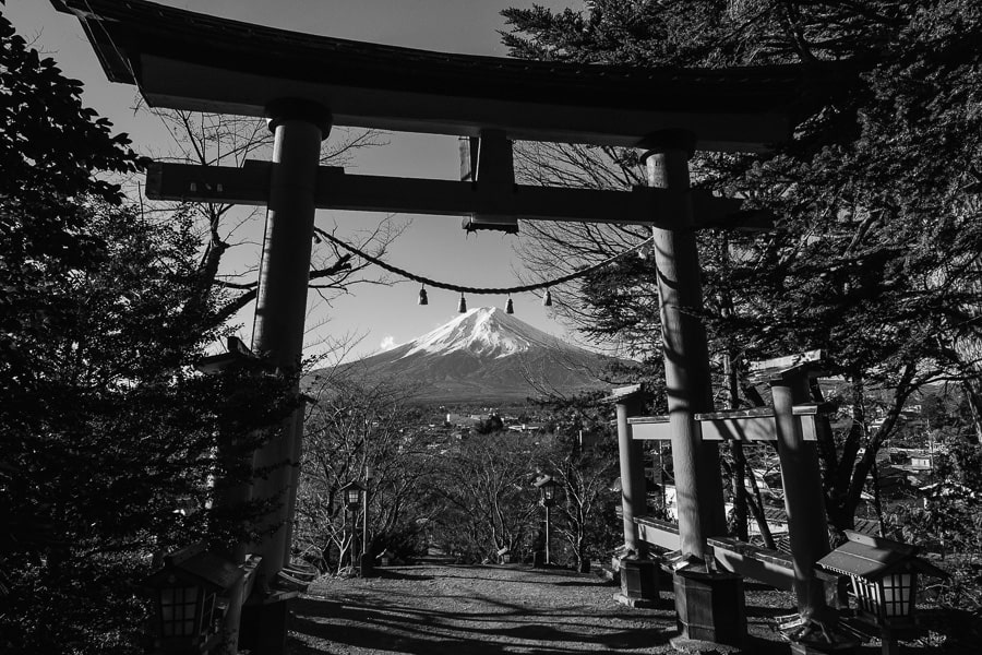富士山 浅間神社 ACROS モノクロ